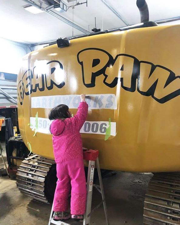 Bear Paw Earthworks Bulldozer